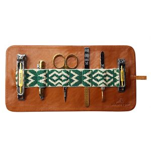 Mantidy Grooming Roll Brown Leather