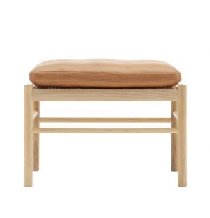 OW149-F Colonial Stool Oak & Leather