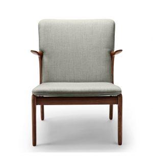 OW124 Beak Chair Oiled Walnut & Kvadrat Wool