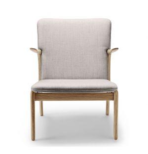OW124 Beak Chair Oiled Oak & Kvadrat Wool