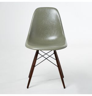 DSW Fiberglass Side Chair Raw Umber & Dark Maple