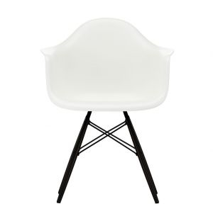 DAW Plastic Armchair Black Maple Base
