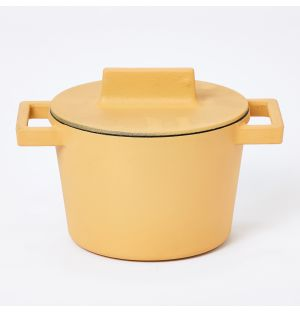 Terra.Cotto Casserole Pot With Lid in Vanilla
