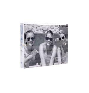 Acrylic Magnetic Frame 18cm x 13cm